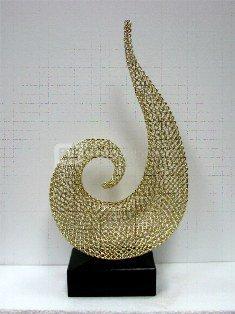 Skulptūra Abstrakcija iš metalo aukso spal. 50*30*93 cm SAVEX
