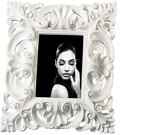 Rėmelis 13x18 cm baltas iš ornamentų polirezininis O443 Mascagni