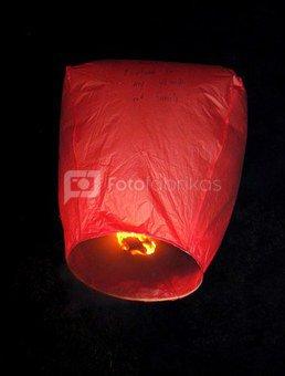 Dangaus žibintas baliono formos raudonas