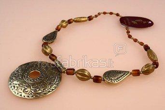 Kaklo papuošalas-pakabukas rudais atspalviais 18044