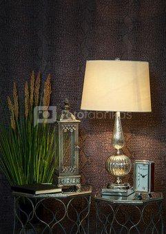Šviestuvas stalinis stiklinis stovas su gaubtu H:75 x W:38 x D:38 cm. SAVEX