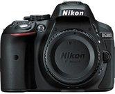 Nikon D5300 + AF-P 18-55mm VR (Demo)